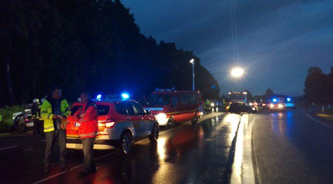 Verkehrsunfall mit eingeklemmter Person B4 Abfahrt Haarbrücken