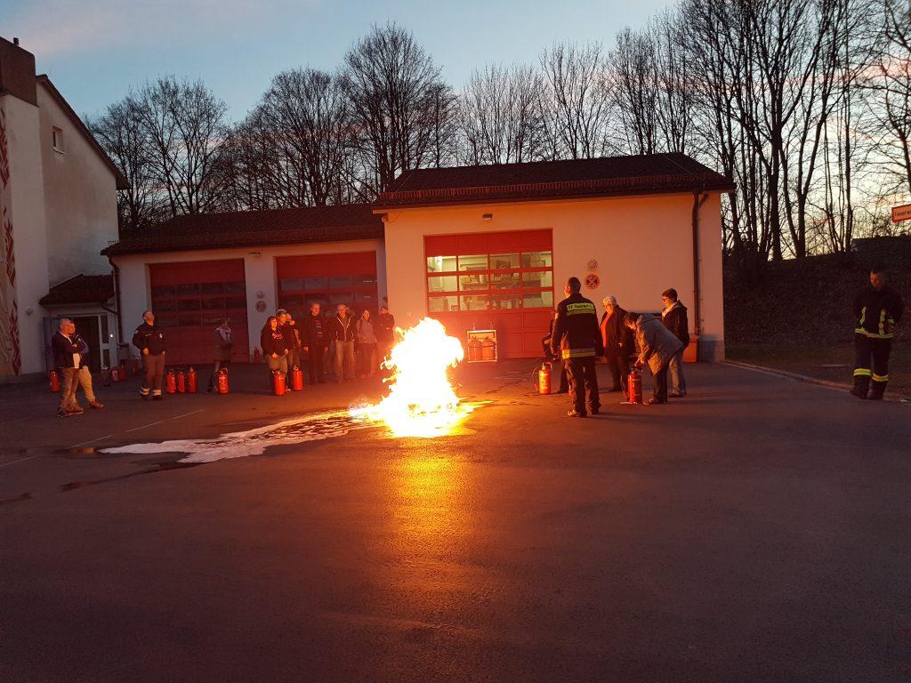 Feuerlöscherunterweisung BRK-Bereitschaft Neustadt
