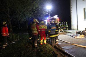 Wohnungsbrand Person in Gefahr Dörfles-Esbach