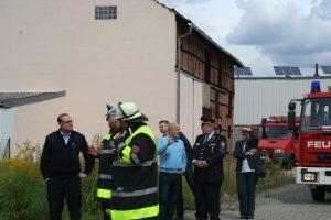 SBI Köhler erklärte den Vertretern von Stadt und Landkreisführung die Übung