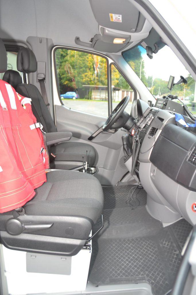 Beifahrerseite - Mehrzweckfahrzeug der FF Neustadt
