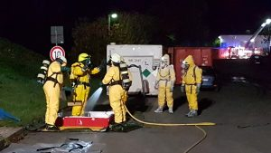Dekontamination Atemschutzgeräteträger unter leichten CSA